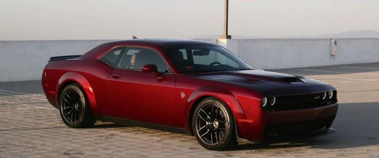 Dodge Challenger Red обзор